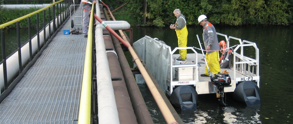 Arbeitsboot für Wasserbauarbeiten